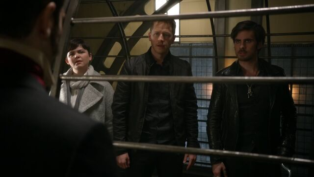 File:Once Upon a Time - 5x22 - Only You - Snow, David and Hook.jpg