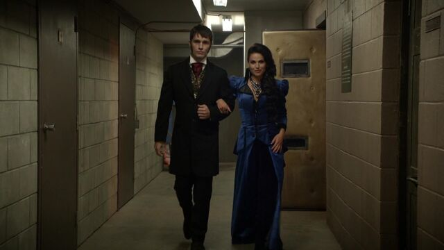 File:Once Upon a Time - 6x03 - The Other Shoe - Evil Queen and Hyde.jpg