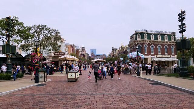 File:Main Street USA of Hong Kong Disneyland.jpg