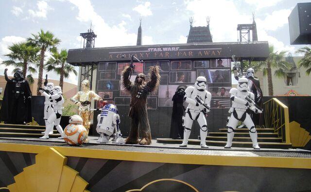 File:Star Wars A Galaxy Far, Far Away WDW.jpg