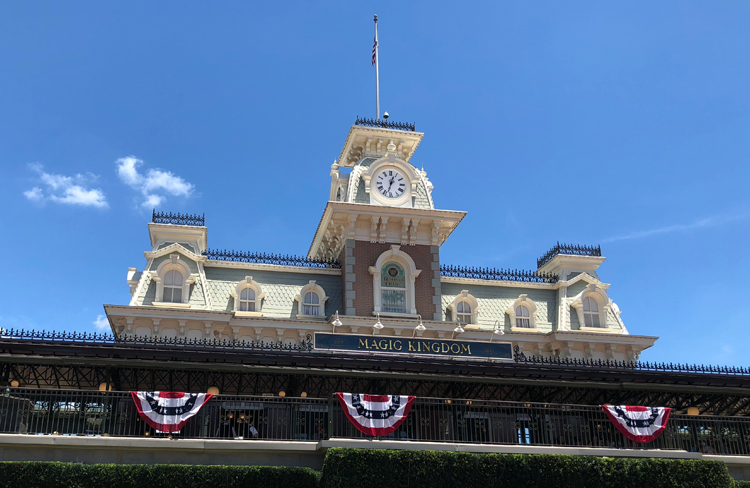 File:Main Street, U.S.A. station Magic Kingdom.jpg