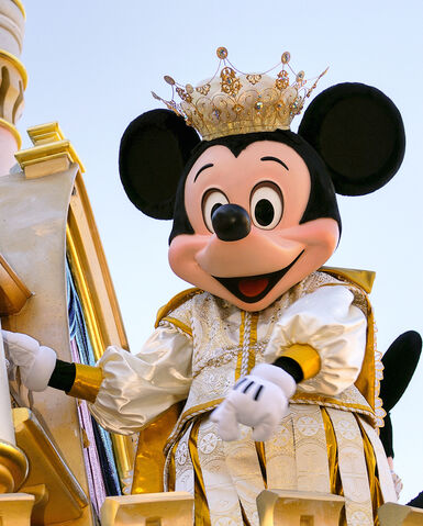 File:MickeyParadeOfDreams.jpg