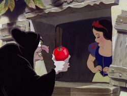 Snow-white-disneyscreencaps.com-8221