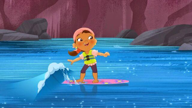 File:Izzy-Surfin' Turf01.jpg