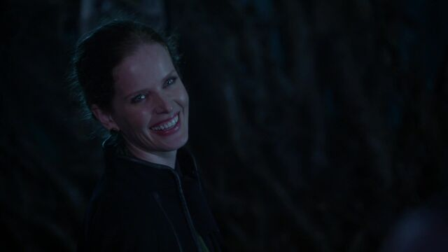 File:Once Upon a Time - 5x18 - Ruby Slippers - Zelena.jpg
