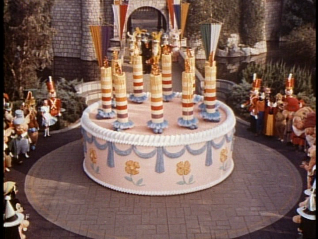 File:DL 10th anniversary cake.png