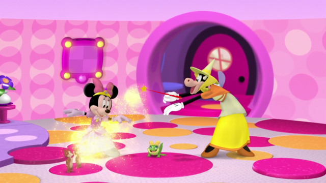 File:Minnie-rellaMagicalSpell.png