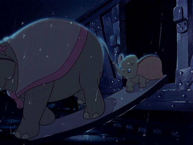 File:Dumbo-disneyscreencaps.com-1358.jpg