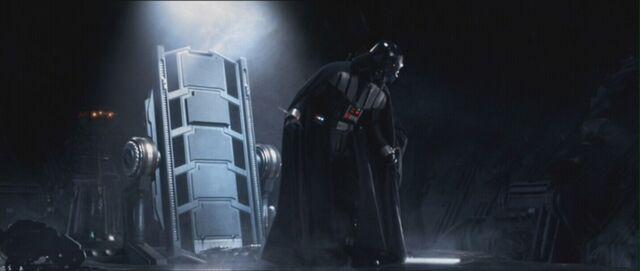 File:Darth Vader in Revenge of the Sith 8.jpg