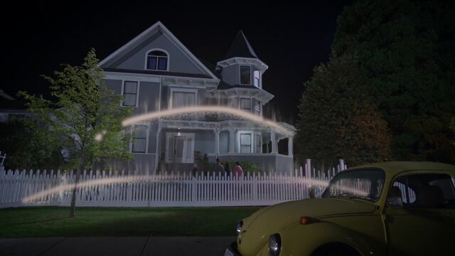 File:Once Upon a Time - 5x08 - Birth - House Lights 2.jpg