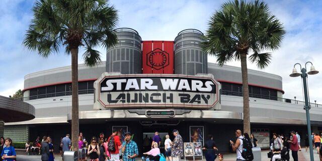 File:Star-Wars-Launch-Bay-DHS.jpg