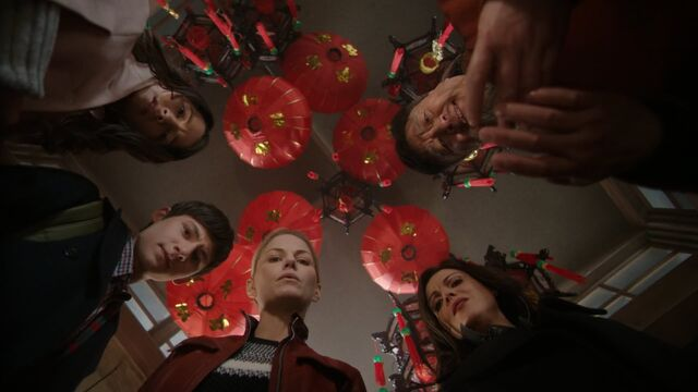 File:Once Upon a Time - 5x23 - An Untold Story - Heroes Watch.jpg