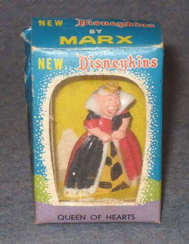 File:Marx queen of hearts disneykin window box 640.jpg