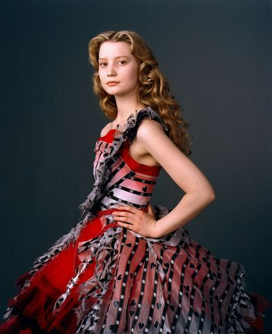 File:New-Alice-in-Wonderland-Mia-Wasikowska-Photoshoot-alice-in-wonderland-2010-10340861-1183-1450.jpg