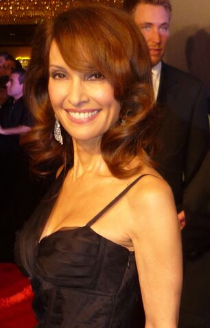 File:Susan Lucci 2010 Daytime Emmy Awards 2 cropped.jpg