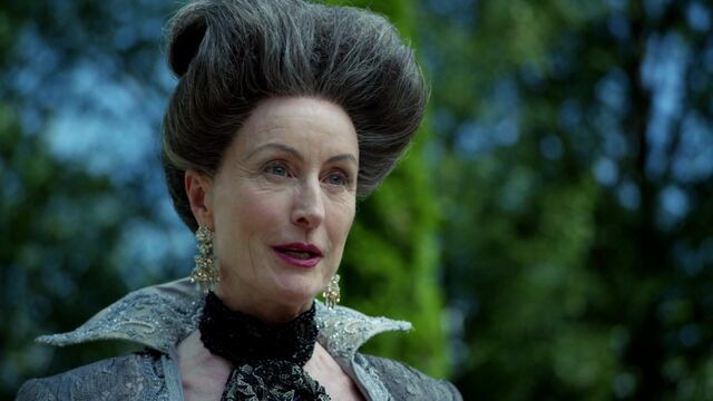 File:Once Upon a Time - 6x03 - The Other Shoe - Lady Tremaine.jpg