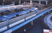 6308-DisneyLandMonoRail-ParkStation