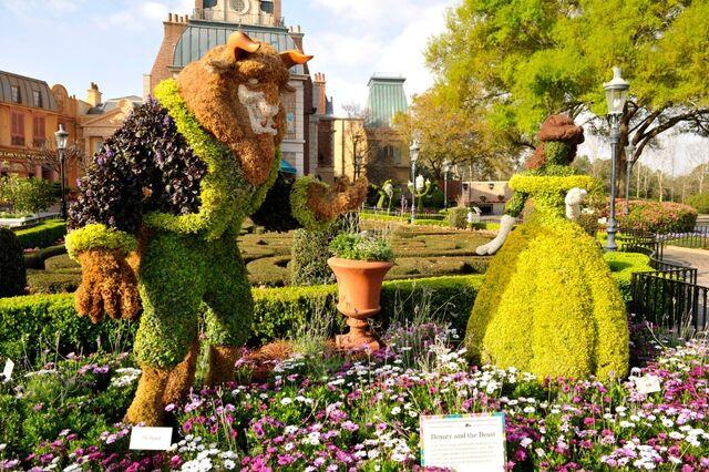 File:Belle and Beast Topiary.jpg