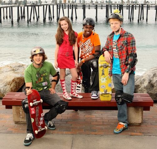 File:Zeke & Luther cast.jpg