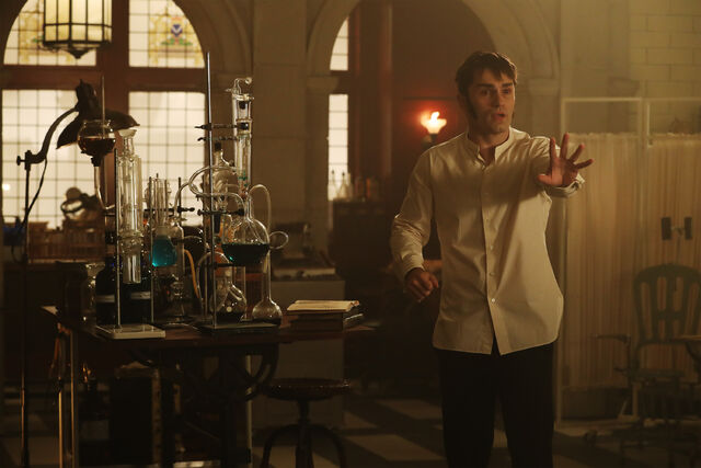 File:Once Upon a Time - 6x04 - Strange Case - Photgraphy - Mr. Hyde 2.jpg