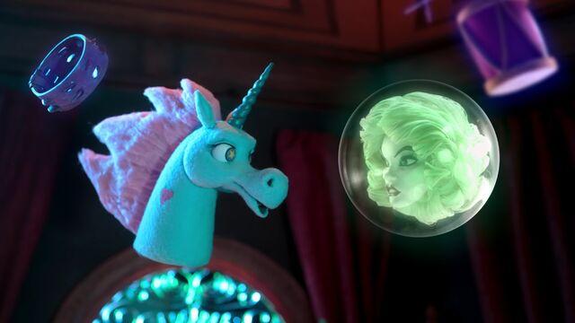 File:Ponyhead meets Leota.jpg