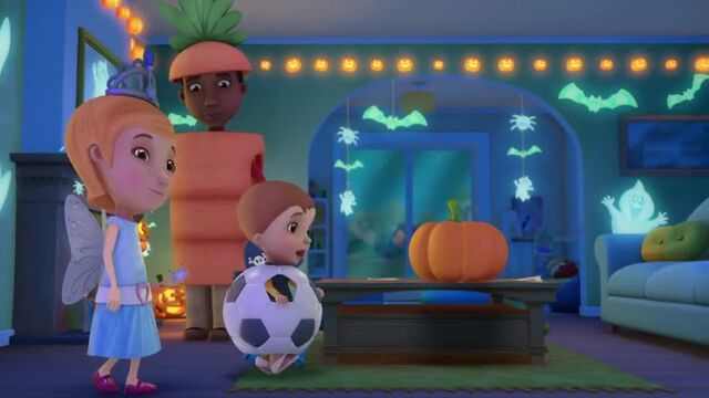 File:Doc-McStuffins-Season-1-Episode-23-Boo-Hoo-to-You--It-s-Glow-Time.jpg