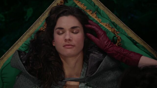 File:Once Upon a Time - 5x18 - Ruby Slippers - Dorothy Asleep 2.jpg