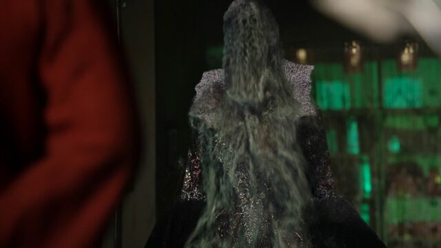 File:Once Upon a Time - 5x23 - An Untold Story - Black Dust Forming.jpg
