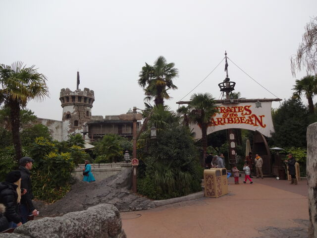 File:Pirates of the Caribbean Disneyland Paris.jpg