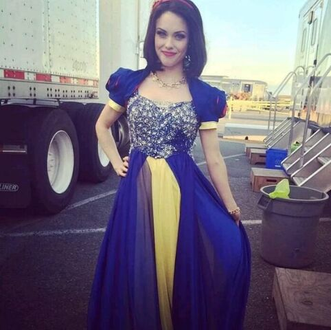 File:Snow White in Disney Descendants.jpg
