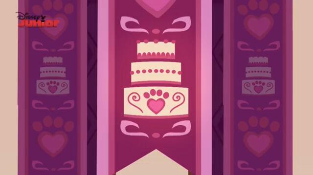 File:Cake-tillion-001.jpg