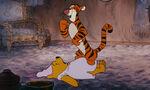 Winnie-the-pooh-disneyscreencaps.com-4018