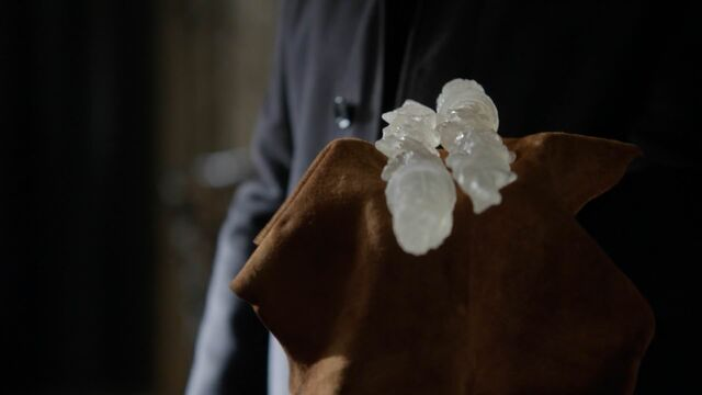 File:Once Upon a Time - 5x21 - Last Rites - Olympian Crysal Pieces.jpg