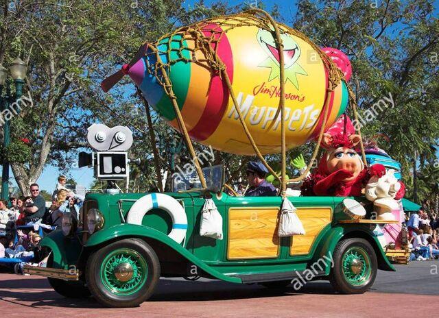 File:Disney Stars and Motorcars Parade muppets.jpg