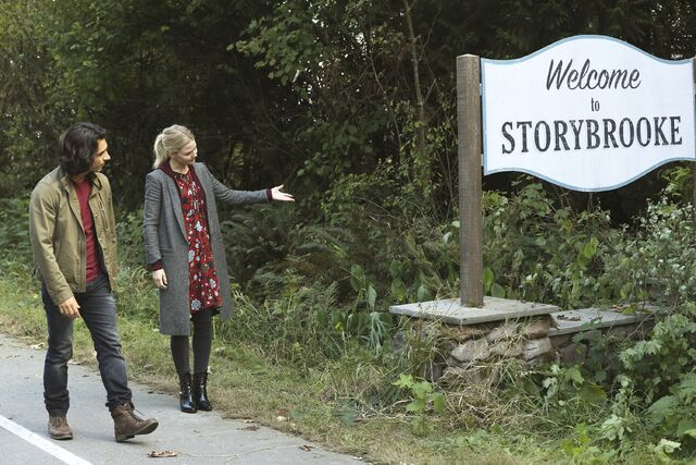 File:Once Upon a Time - 6x06 - Dark Waters - Photgraphy - Aladdin and Emma 2.jpg