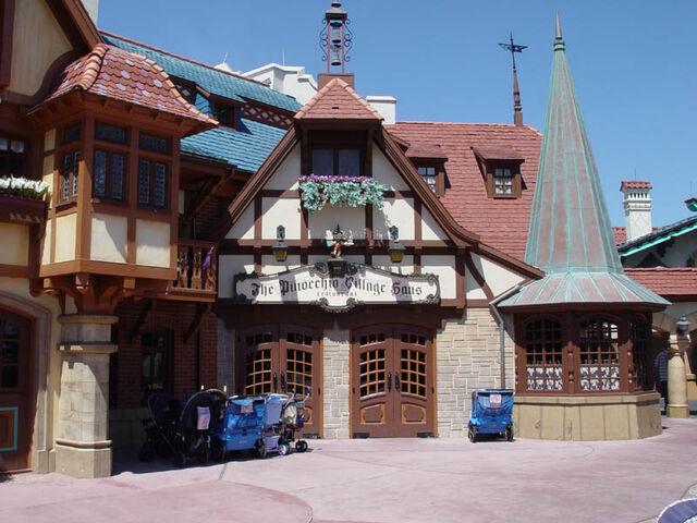 File:Pinocchio Village Haus.jpg