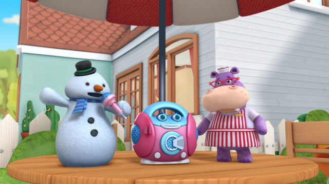 File:Chilly and hallie with millie the microphone.jpg