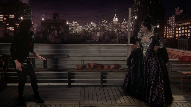 File:Once Upon a Time - 5x23 - An Untold Story - Regina and the Evil Queen.jpg