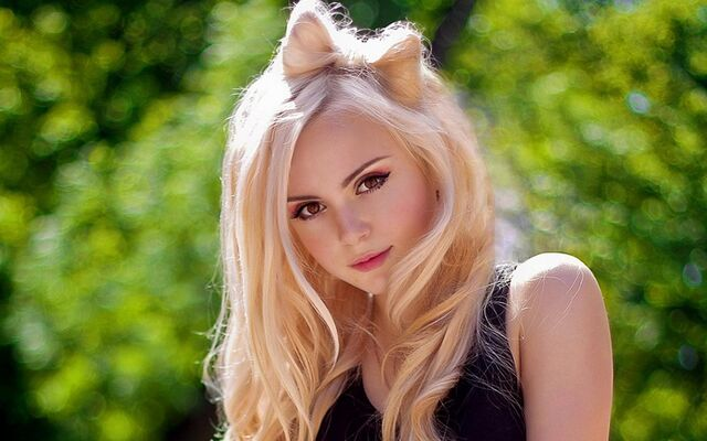 File:Cute girl 23 backgrounds wallpaper.jpg