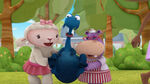 Lambie and hallie lifting stuffy