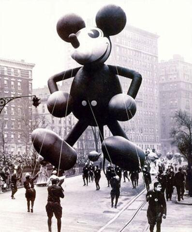 File:Mickey 1934 balloon.jpg