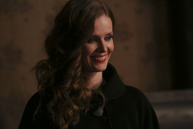 File:Once Upon a Time - 4x19 - Sisters - Released Images - Zelena 2.jpg