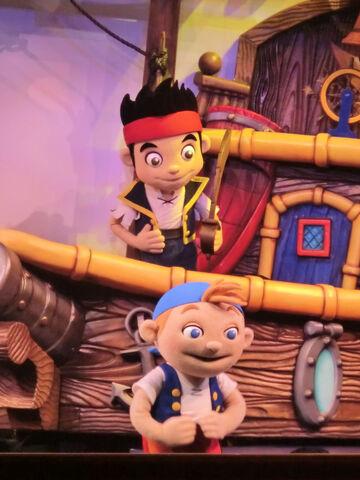 File:Disney-Junior-Live-Pirate-Jake&Cubby.jpg
