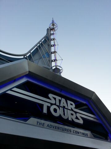 File:Disneyland Star Tours The Adventures Continue Entrance.jpg