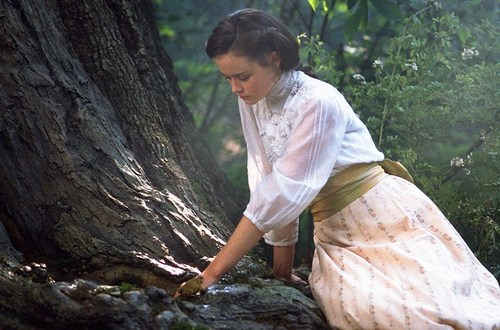 File:Winnie Foster at the Spring.jpg