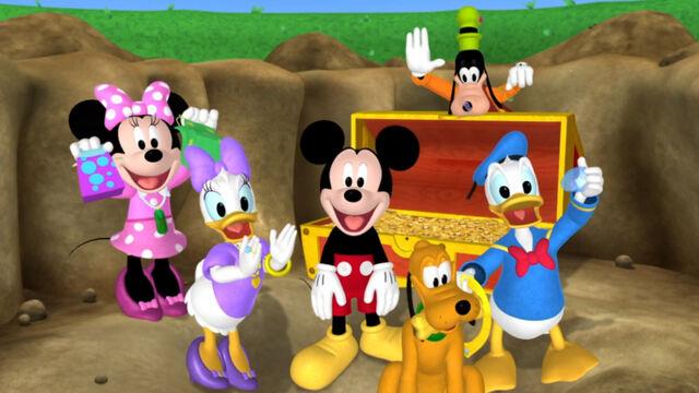 File:The whole cast mickey's treasure hunt.jpg