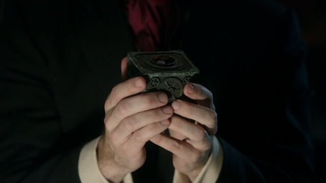 File:Once Upon a Time - 5x22 - Only You - Hyde with Pandora's Box.jpg