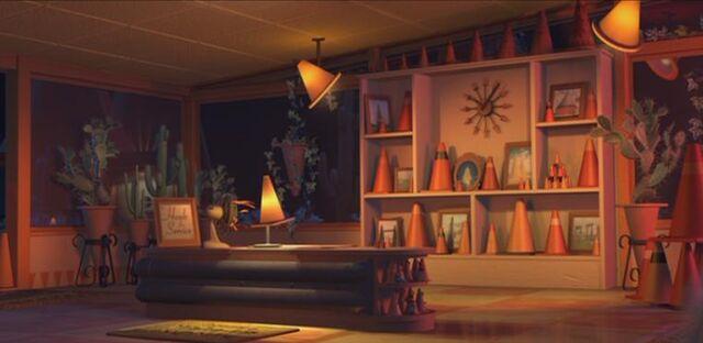 File:Cozy Cone Office.jpg
