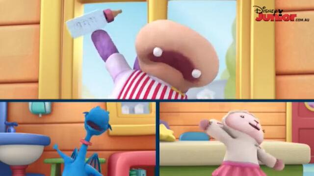 File:Hallie, stuffy and lambie singing.jpg