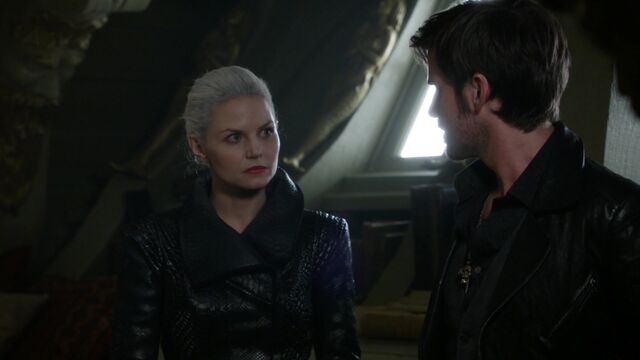 File:Once Upon a Time - 5x03 - Siege Perilous - Emma and Hook.jpg